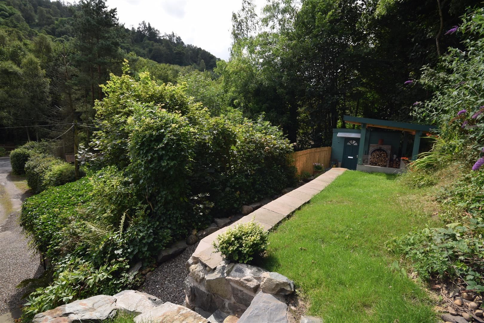 9, Torwood Place, Birnam, Dunkeld, Perthshire, PH8 0DJ, UK
